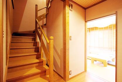【月の館】メゾネット階段